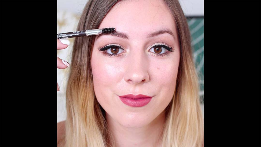 maybelline-tuto-makeup-crayon-sourcils-master-shape-video-16x9